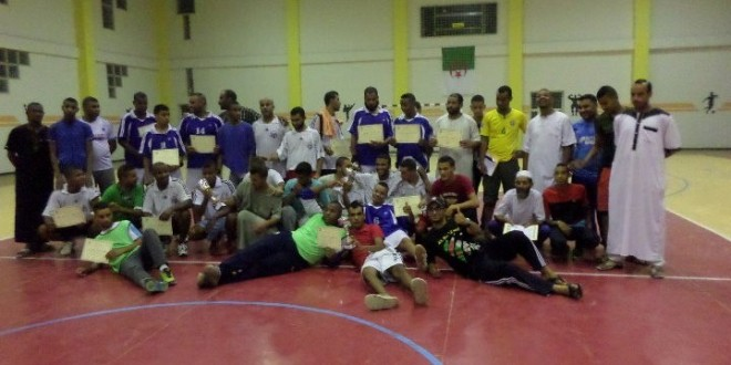 صور تذكاترية و أجواء فرح للفائز بالدورة الرمضانة لكرة اليد المغير جويلية 2014