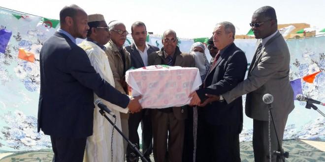 الوالي المنتدب يشرف على إحياء عيد النصر بزيارات رسمية لدائرتي المقاطعة